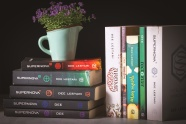 書籍擺放圖片