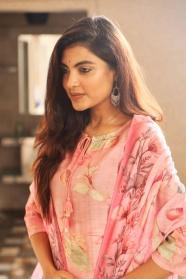 印度氣質美女圖片